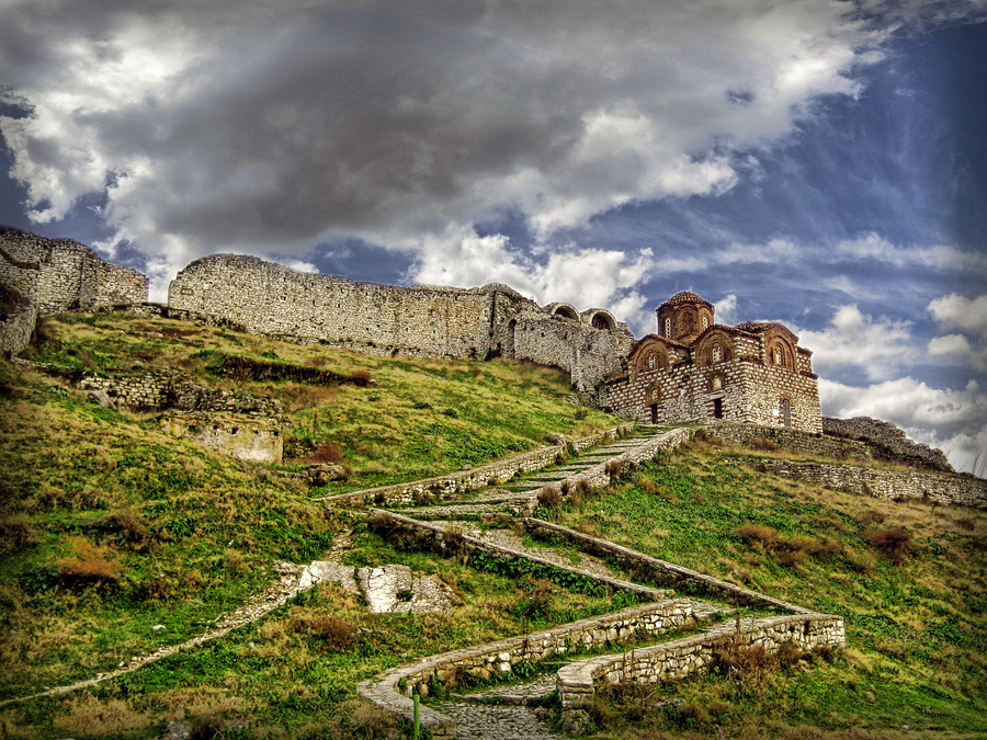 berat-fortress-travel-to-balkan